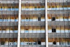 Hublots d'immeuble de bureaux photo libre de droits