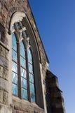 Hublots de verre coloré d'église images libres de droits