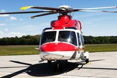 Hubschrauber auf dem Flugplatz Lizenzfreies Stockfoto