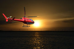 Hubschrauber, der über Florida-Schlüssel fliegt Stockfotos