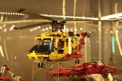 Hubschrauber am Flughafen Stockfotos