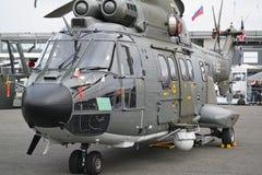 Hubschrauber geparkt am Treffen des Raumes in Paris Le Bourget während der Luftfahrt und räumliche internationale das airshow und lizenzfreies stockbild