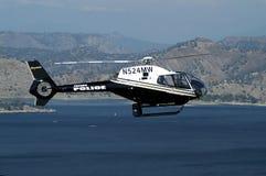 Hubschrauber im Flug Stockbild