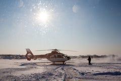Hubschrauber im Winter Stockfotografie