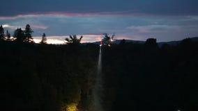 Hubschrauber-Suche und Rettung für das Ertrinken von Opfern stock footage