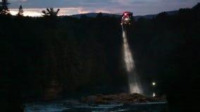 Hubschrauber-Suche und Rettung für das Ertrinken von Opfern stock video