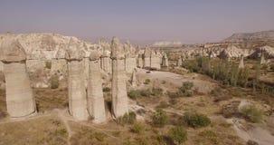 Hubschrauber- und Cappadocia-Felsen stock video footage