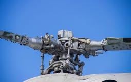 Hubschrauber zerteilt Propeller Russeluftfahrt Stockfoto