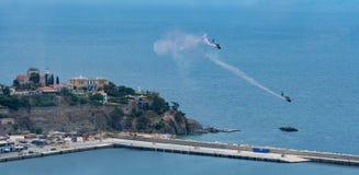 Hubschrauberakrobatik Stockfotos