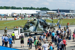 Hubschrauberangriff Mil Mi-24 Hinter Lizenzfreies Stockfoto