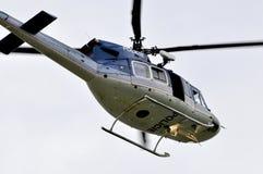 Hubschrauberpolizei patrouilliert Lizenzfreies Stockfoto