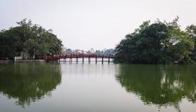 Huc桥梁在河内市,越南 免版税库存图片