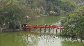 The Huc bridge on the Hoan Kiem Lake Royalty Free Stock Photos