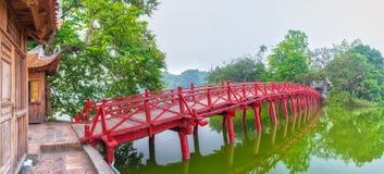 Huc Bridge spanning the Ngoc Son Temple, Hanoi, Vietnam Royalty Free Stock Photos