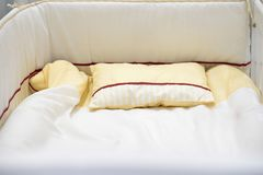 Huche de bébé ou matress ou lit vides images stock