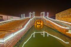 Huche de Noël sous le pont antique Image libre de droits