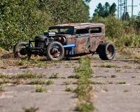 Hudson Essex sur une route abandonnée Image libre de droits