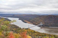 Hudson River ed il ponte della montagna dell'orso fotografie stock