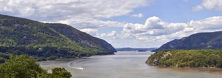 Hudson River på västra pekar royaltyfria bilder