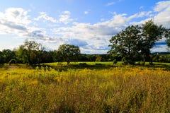 Hudson Valley-horizon met landbouwgrond en weiden op een wolk gevulde de zomerdag royalty-vrije stock afbeelding