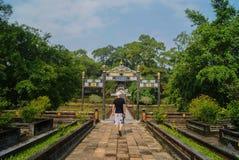Hue Vietnam, een gang in het park stock afbeelding