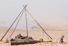 Hueco del fuego en la playa Fotografía de archivo libre de regalías
