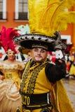 Huehues Μεξικό, μεξικάνικη σκηνή καρναβαλιού, χορευτής που φορά ένα παραδοσιακές μεξικάνικες λαϊκές κοστούμι και μια μάσκα πλούσι στοκ φωτογραφίες