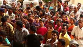 Huelga india de la muchedumbre en el hospital almacen de metraje de vídeo