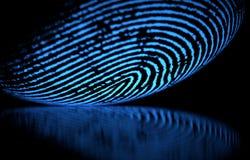 Huella dactilar sobre negro ilustración del vector