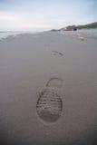 Huella solitaria en la playa Imagenes de archivo