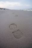 Huella solitaria en la playa Imagen de archivo libre de regalías