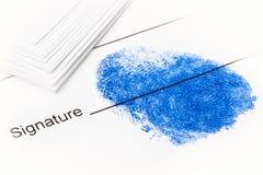 Huellas digitales en el documento - como firma Fotografía de archivo