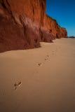 Huellas en la arena - James Price Point, Kimberley, Australia occidental imagen de archivo libre de regalías