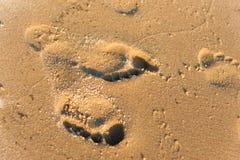 Huellas en la playa Imagen de archivo libre de regalías