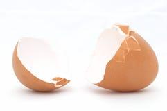 Huevo agrietado abierto Imagenes de archivo