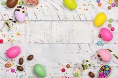 Huevo de chocolate de Pascua fotos de archivo libres de regalías