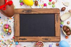 Huevo de chocolate de Pascua fotos de archivo