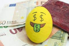 Huevo de Emoji Pascua con la expresión facial Imagenes de archivo