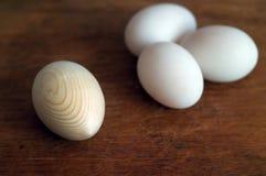 Huevo de madera Fotografía de archivo