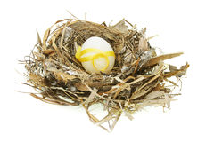 Huevo de Pascua adornado en jerarquía fotografía de archivo libre de regalías