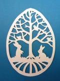 Huevo de Pascua. Corte de papel. Fotos de archivo libres de regalías