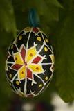 Huevo de Pascua de madera Fotografía de archivo