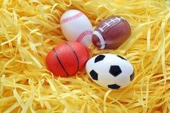 Huevo de Pascua falso. Fotos de archivo