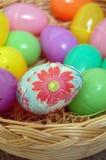 Huevo de Pascua floral adornado Fotos de archivo