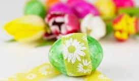 Huevo de Pascua, presente de Pascua foto de archivo libre de regalías