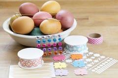 Huevo de Pascua que adorna las herramientas Imagen de archivo