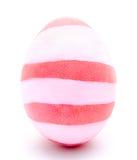 Huevo de Pascua rosado pintado aislado Imagenes de archivo