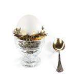 Huevo en la jerarquía para el desayuno Fotos de archivo
