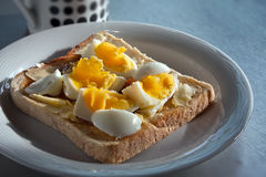 Huevo en tostada Imágenes de archivo libres de regalías
