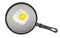 Huevo frito en un sartén Fotografía de archivo